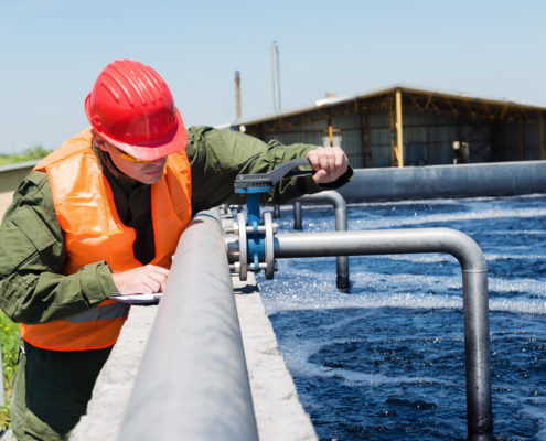 EMR: experts in water distribution networks