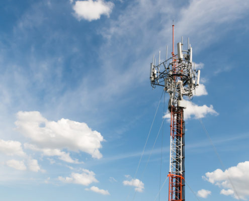 Microwave network connectivity from EMR
